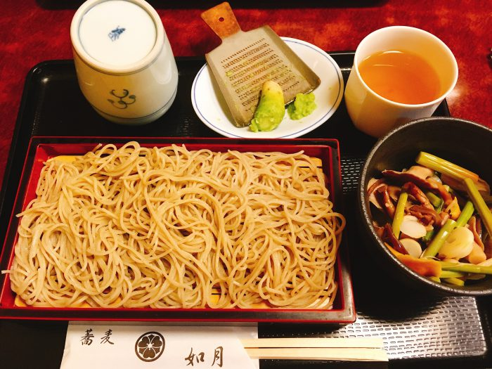 東京は日本橋で頂く本格、山菜おろしせいろ