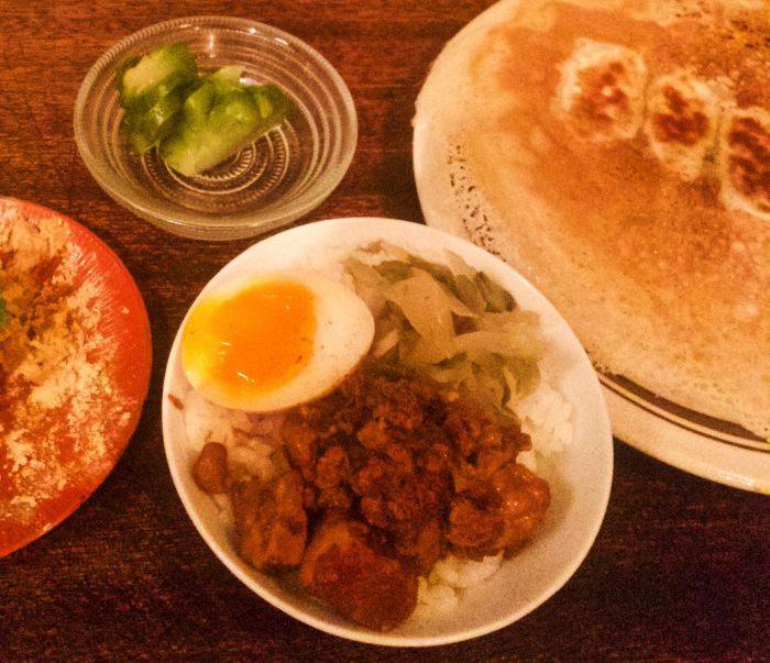 焼き餃子、お茶碗魯肉飯
