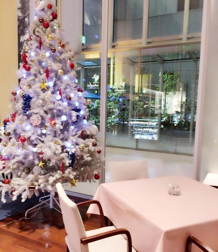 【大阪キタ、梅田のステキなグランカフェ♪】天井が高く夜景の見えるお店で、イタリアンは如何ですか?