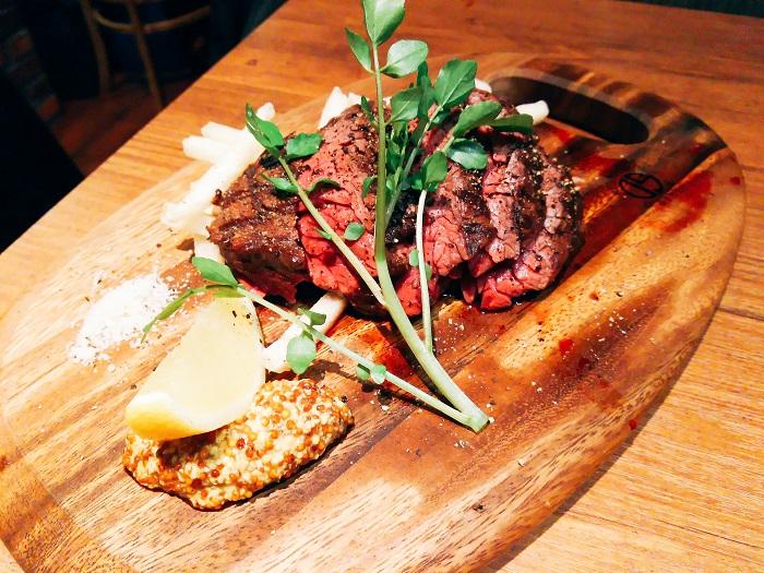 【蒲田肉バル】噛むたびに肉汁あふれるお肉と国産クラフトビールを堪能
