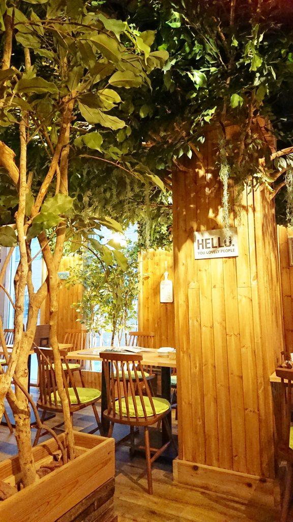【神田】まるで森の中♪ Tree House 肉バル ジャックトマメノキ