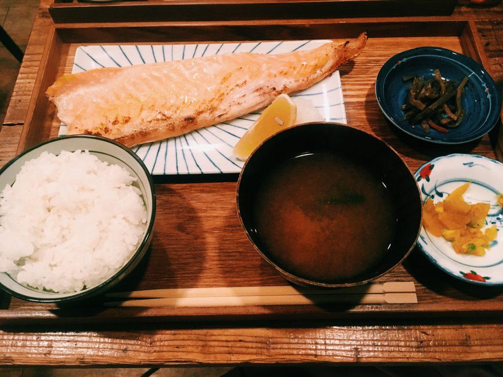 【中目黒】仕事帰りに思わず立ち寄りたくなる魚料理の定食屋さん♪ おらい食堂