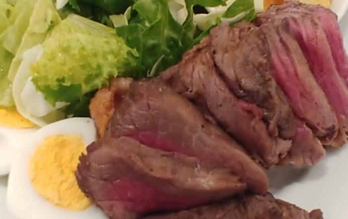 【溜池山王】肉肉しいローストビーフ!肉塊UNO